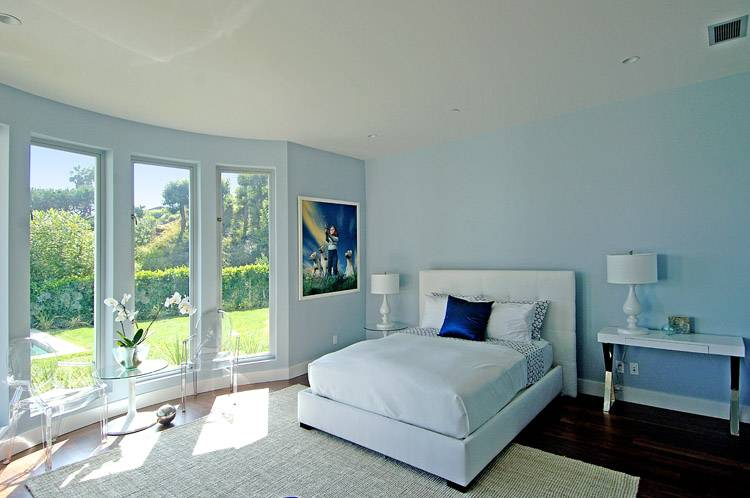Curved Window Gives Point Perfect Paint Color Blue