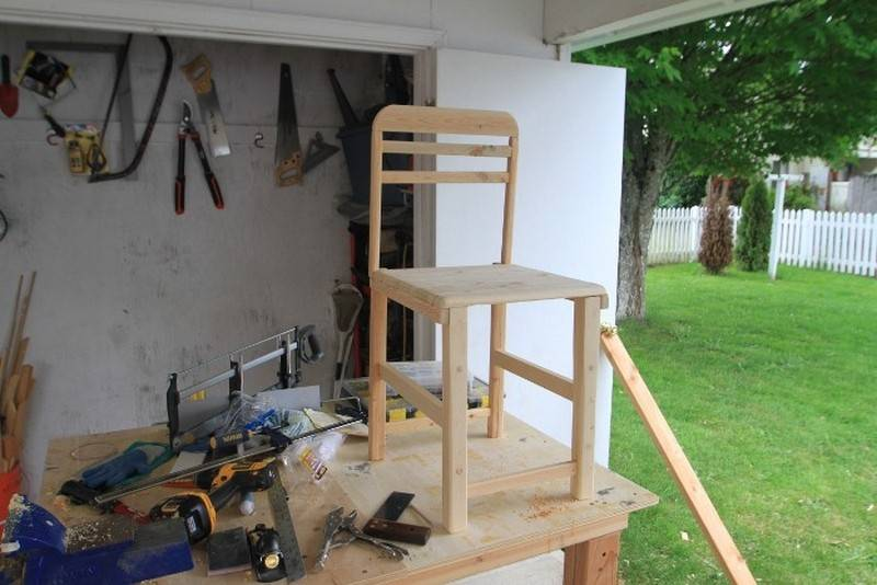 Diy Box Spring Outdoor Table Chair Assembling Together