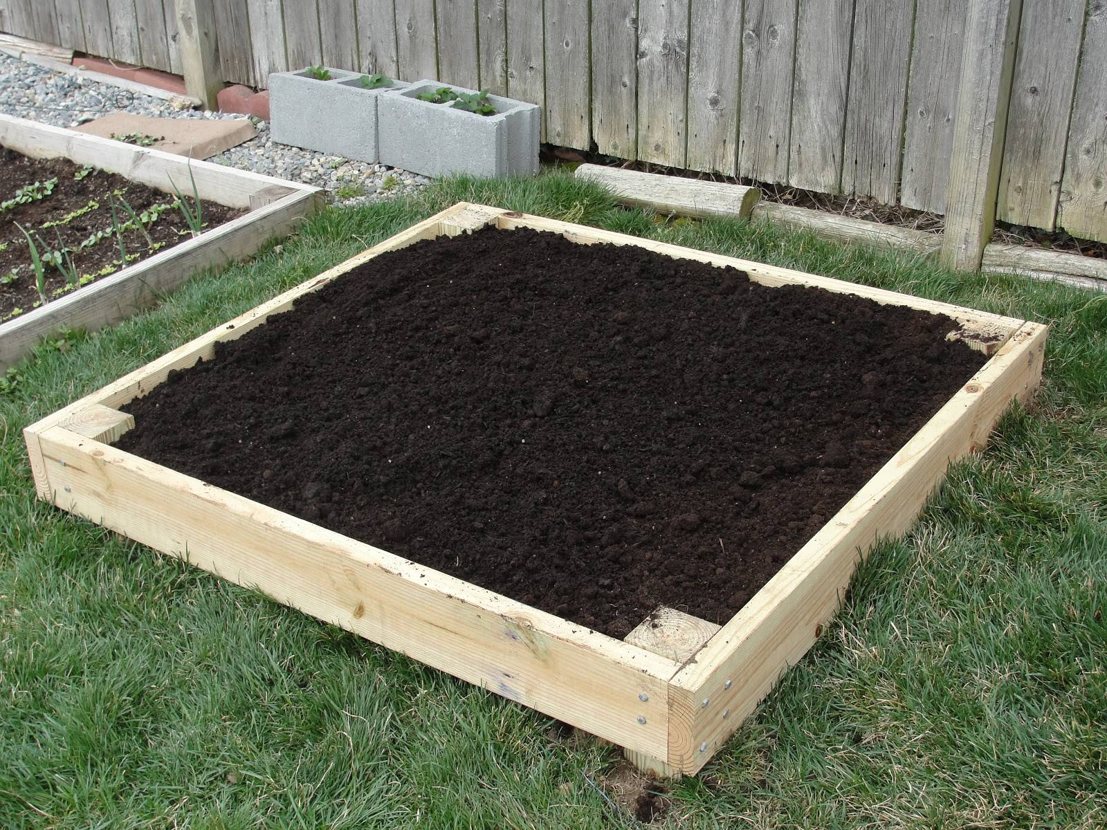 Garden Build Your Own Raised Bed Small Spaces Diy