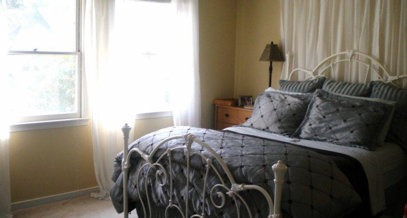 Love Sheer Curtains Behind Bed Perfect Inspirati