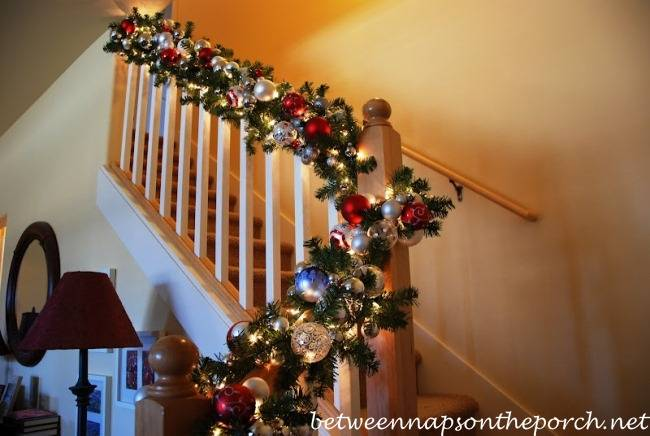 Recently Friend Joy Sent Few Pics Her Banister Decorated