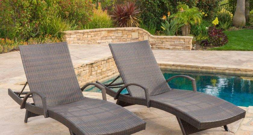 Set Outdoor Brown Wicker Armed Chaise Lounge Chair