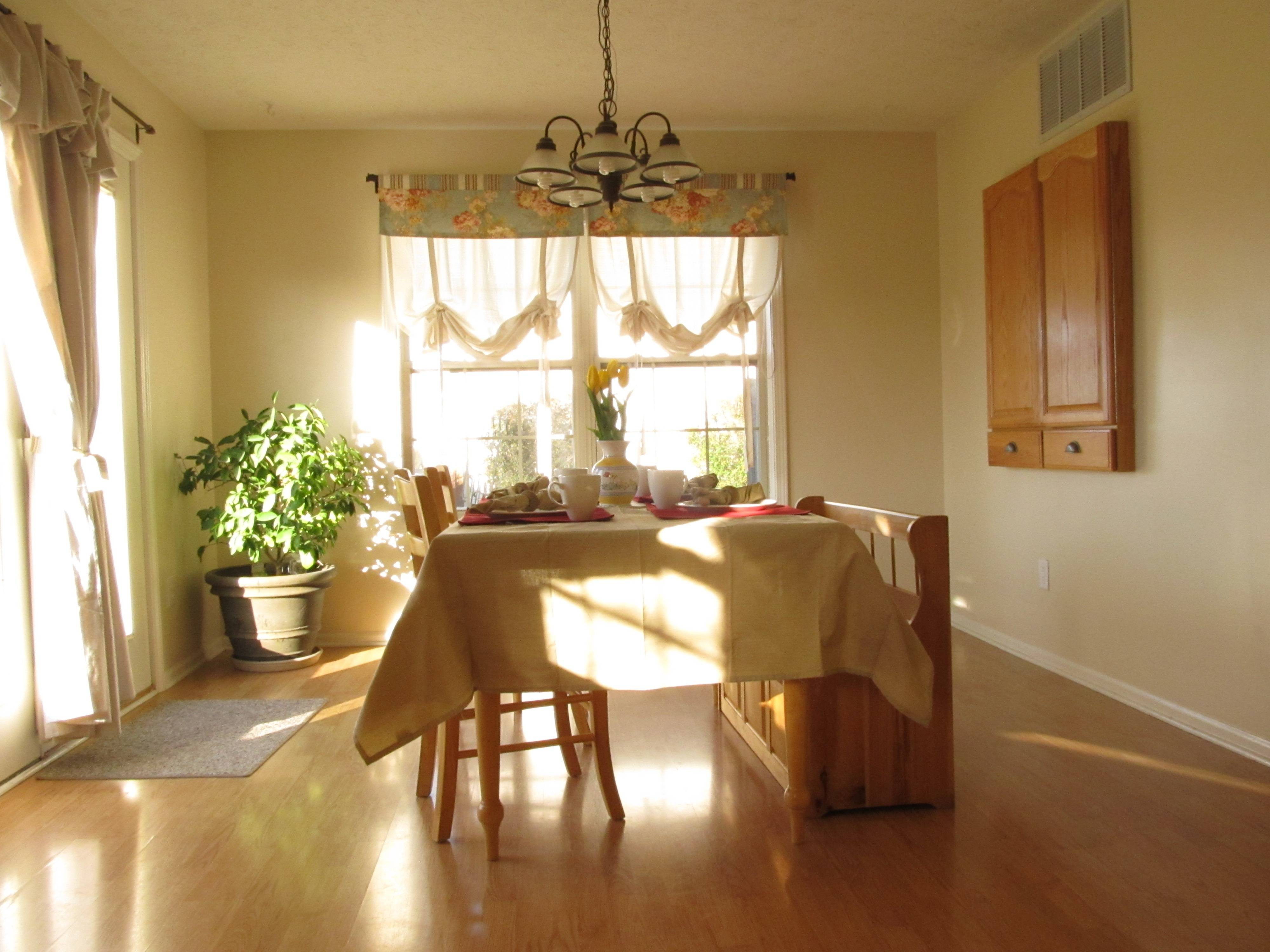 Walls Behr Antique White Made Dining Space Feel Larger